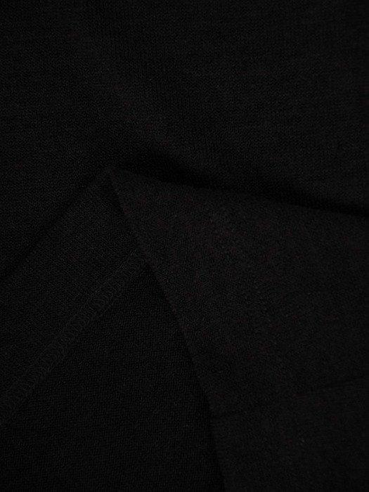 Dzianinowa sukienka z ozdobnymi napisami i kieszeniami 24518