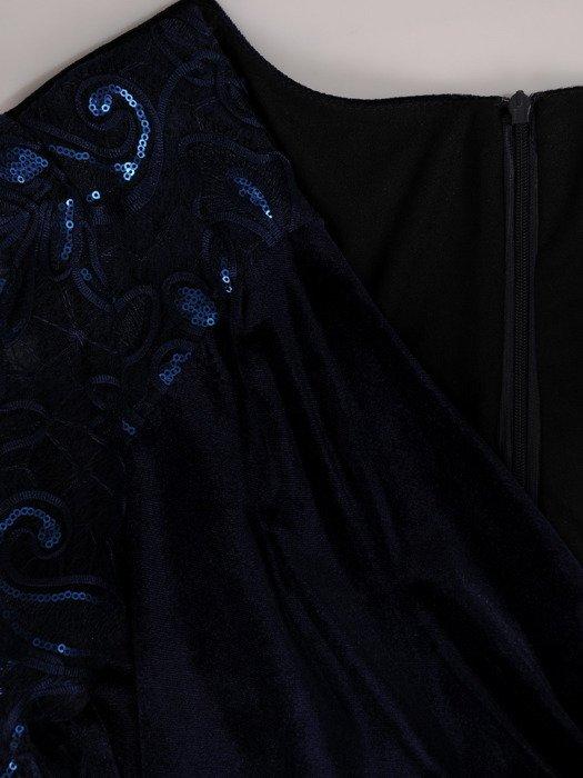 Aksamitna sukienka wyszczuplająca z koronkowymi rękawami 18793