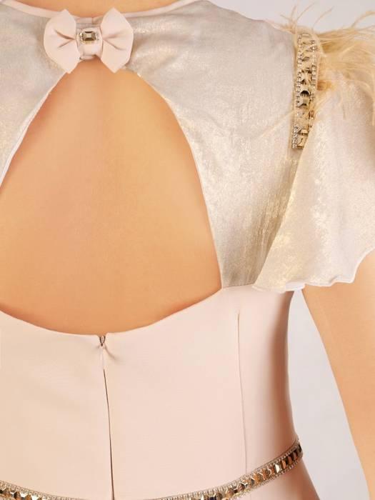 Beżowa sukienka maksi, kreacja z ozdobnymi rękawami 30462