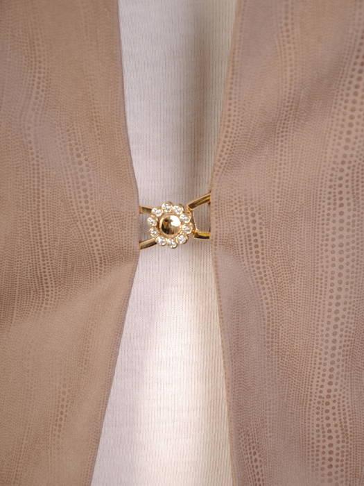 Beżowy żakiet damski zapinany na ozdobną haftkę 30654