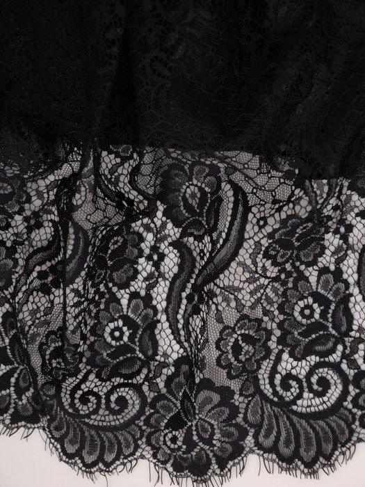 Czarna kreacja wieczorowa z rozkloszowaną, koronkową spódnicą 18879
