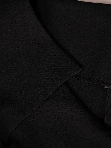 Czarna sukienka Ofelia I, wiosenna kreacja z fantazyjnym dekoltem.