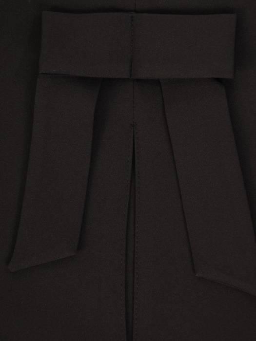 Czarna sukienka damska, elegancka kreacja z kokardą na plecach 27241