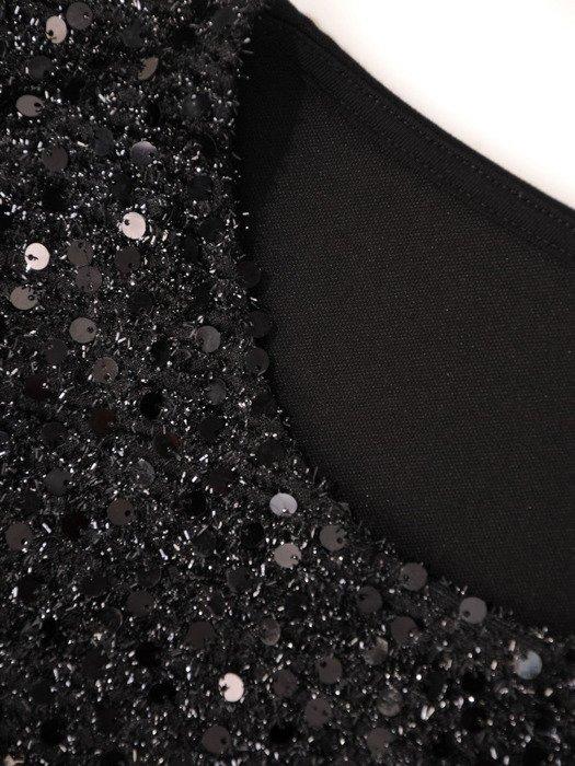 Czarna sukienka z dzianiny wykończonej cekinami 19237