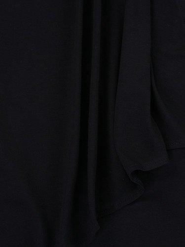 Czarna tunika Marcjanna I, kreacja z asymetryczną narzutką.