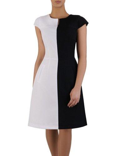Czarno-biała sukienka Pamela III, nowoczesna kreacja w geometryczny wzór.