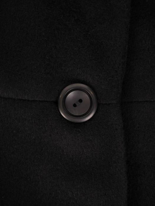 Czarny płaszcz damski z kieszeniami 27233