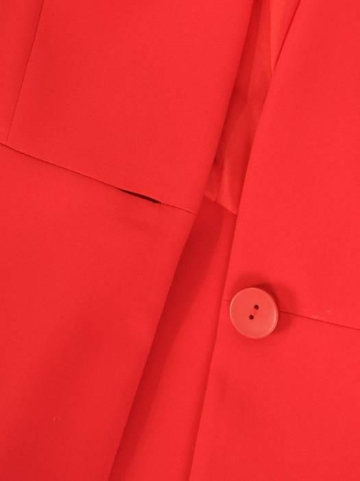 Czerwony, elegancki żakiet zapinany na guzik 30099