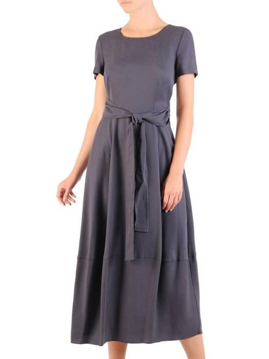 Długa sukienka z kieszeniami i szarfą w pasie 30062