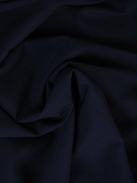 Długa sukienka z modnym dekoltem 17932, granatowa kreacja wieczorowa.