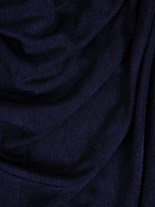 Długa suknia z modnym dekoltem, kreacja odkrywająca ramiona 21097