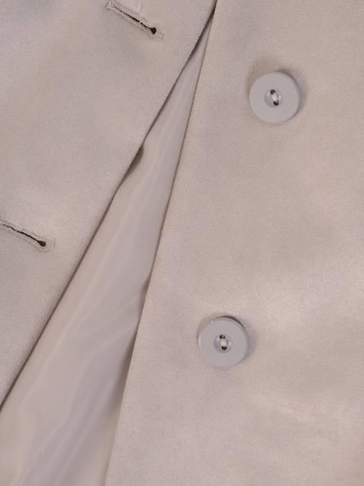 Długi zamszowy płaszcz zapinany na guziki 28504
