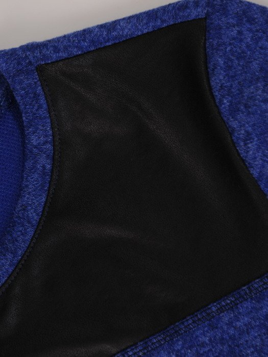 Dzianinowa bluzka z modnym nadrukiem 17840.