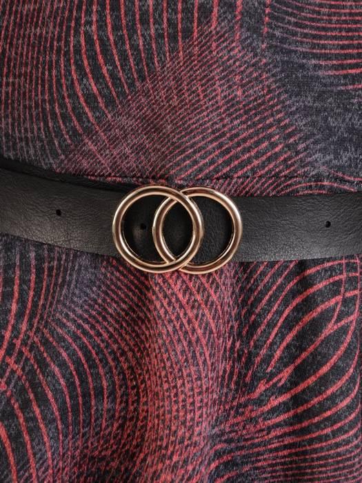 Dzianinowa rozkloszowana sukienka w geometryczny wzór 27316