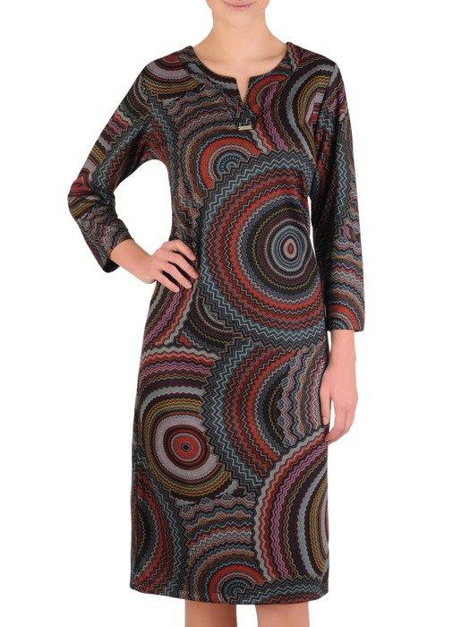 Dzianinowa sukienka w modny, geometryczny wzór 19202