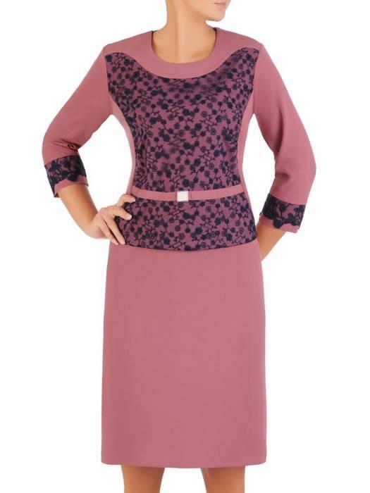 Dzianinowa sukienka z modną baskinką, jesienna kreacja wykończona koronką  27344