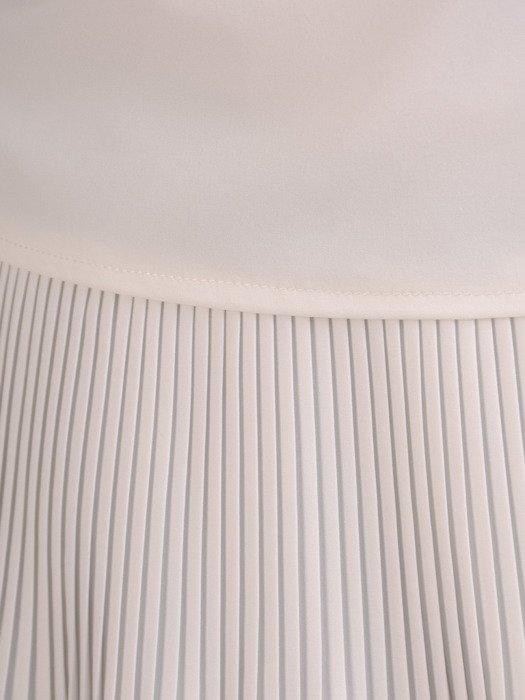 Elegancka bluzka z plisowanymi wstawkami 19670