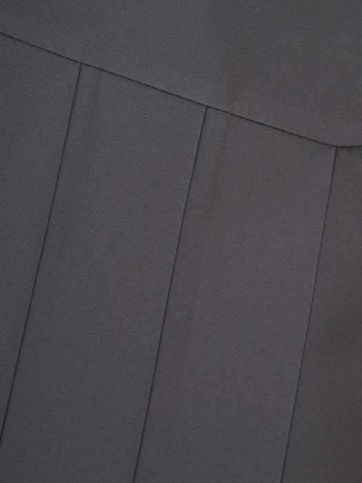 Grafitowa spódnica z ozdobnymi plisami 27868