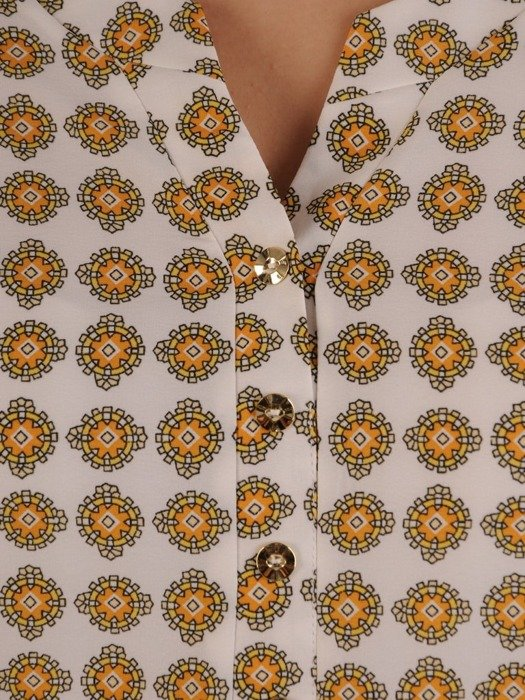 Jasna bluzka koszulowa w oryginalnym wzorze 24989