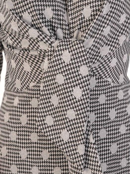 Jesienna sukienka w grochy z ozdobną zakładką w pasie 31180