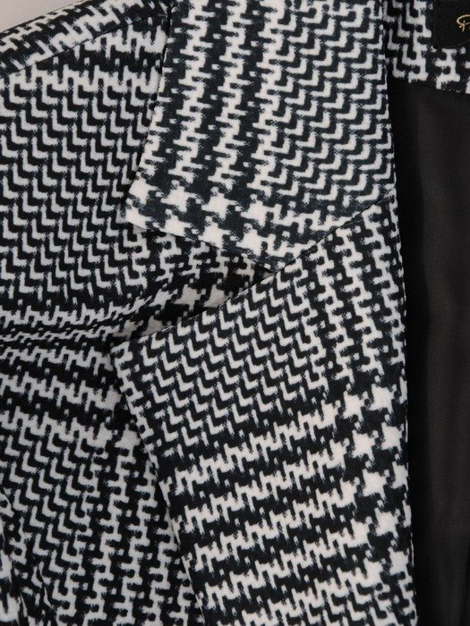 Kolekcja 28357, elegancki żakiet i spodnie w modną kratę