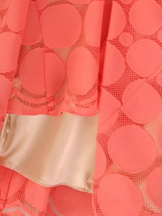 Koralowa sukienka z koronki, kreacja w modne grochy 29713