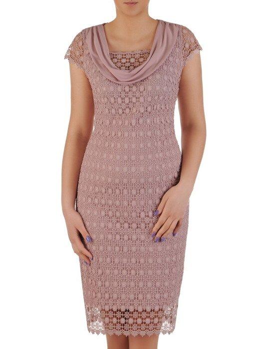 Koronkowa sukienka na wesele, pudrowa kreacja z modnym szalem 20343