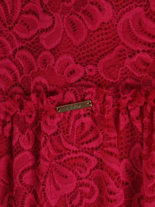 Koronkowa sukienka z modną falbaną, kreacja w kolorze amarantowym 22042