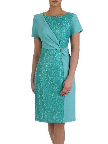 Koronkowa suknia wieczorowa Michalina II, szykowna kreacja z ozdobną broszką