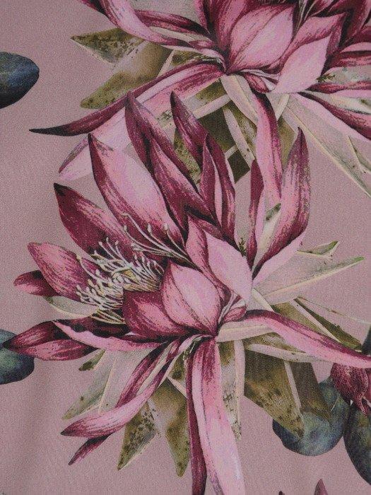 Luźna sukienka z elegancką broszką, szyfonowa kreacja z modnymi rękawami 20466