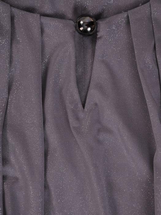 Luźna sukienka z modnymi marszczeniami, elegancka kreacja z błyszczącej tkaniny 21492
