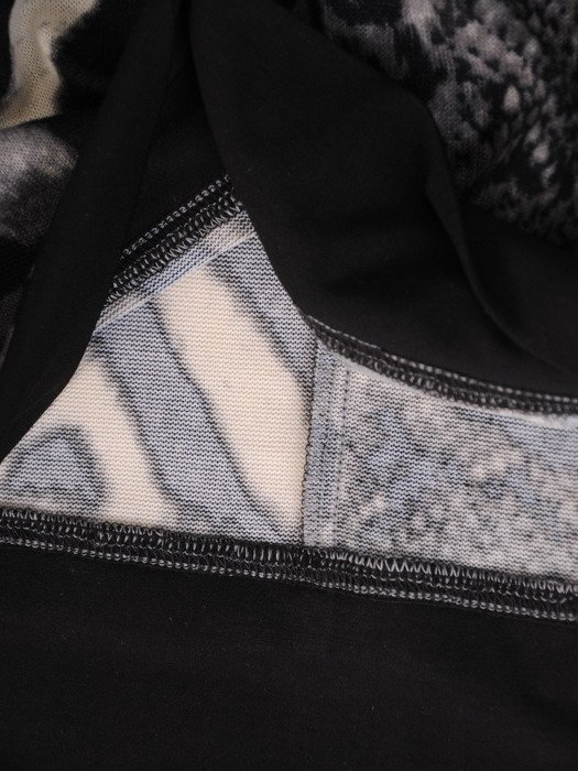 Modna bluzka z marszczonym golfem 17833.