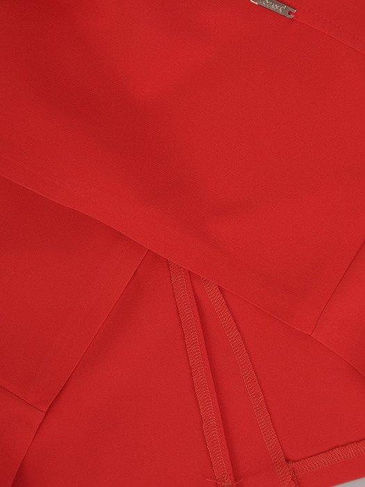 Modna sukienka z ozdobnym dekoltem Zoja II, wiosenna kreacja w wyszczuplającym fasonie.
