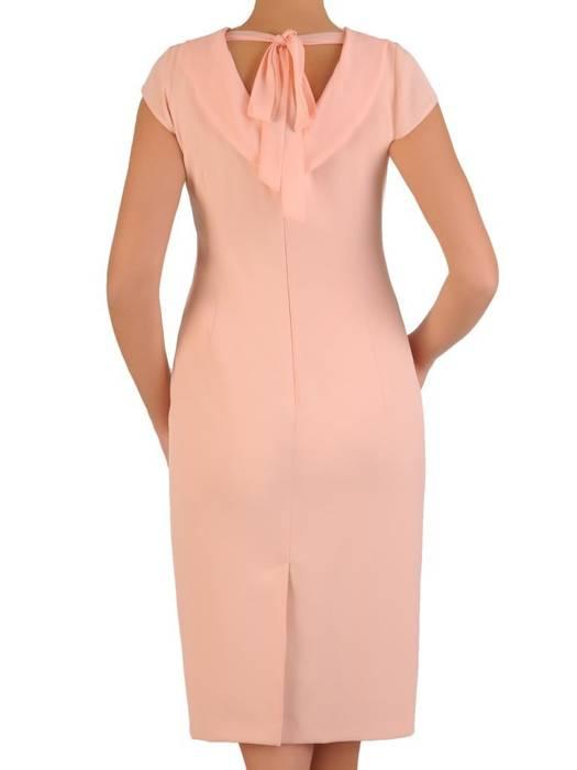 Morelowa elegancka sukienka, kreacja z modnym wiązaniem na plecach 28210
