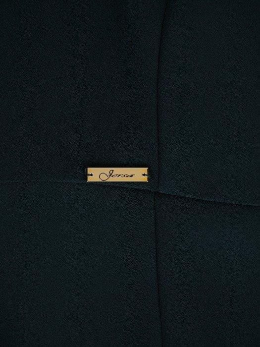 Nowoczesna, długa suknia z wysokim rozcięciem 18750