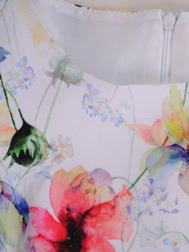 Nowoczesna sukienka w kolorowe kwiaty 16451.