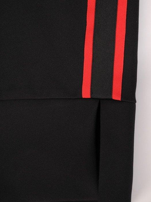 Nowoczesna sukienka z owalnym dekoltem, czarna kreacja z dzianiny 18816