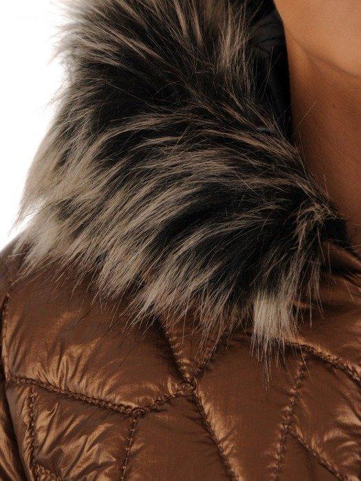 Ocieplany płaszcz zimowy z metalicznym połyskiem 24346