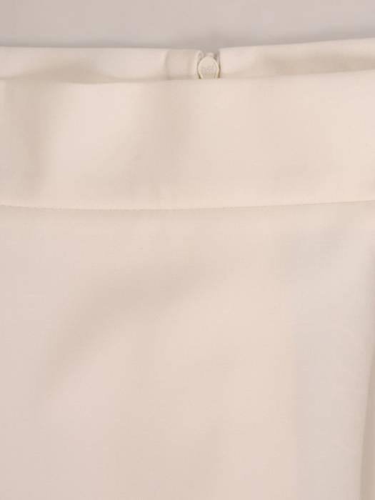 Ołówkowa spódnica z kremowej tkaniny 30074