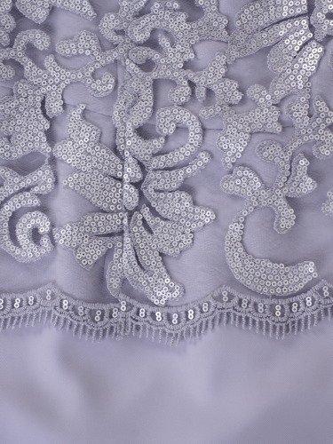 Popielata sukienka z koronką Mirella II, elegancka kreacja wykończona gipiurą.