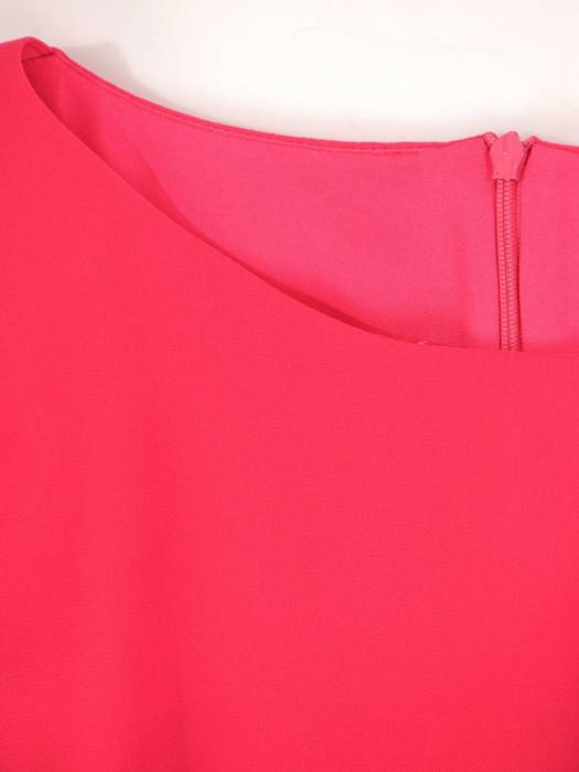Prosta sukienka z szyfonu, kreacja z ozdobną falbaną 30036