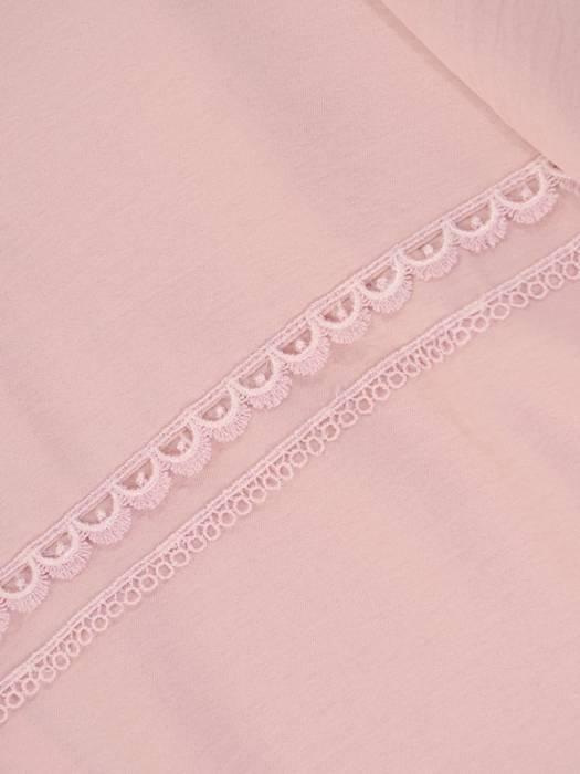 Pudrowa bluzka damska ozdobiona taśmą z koronki 29669