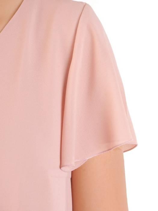 Pudrowa sukienka z szyfonu, kreacja z ozdobnym plisowaniem 30030