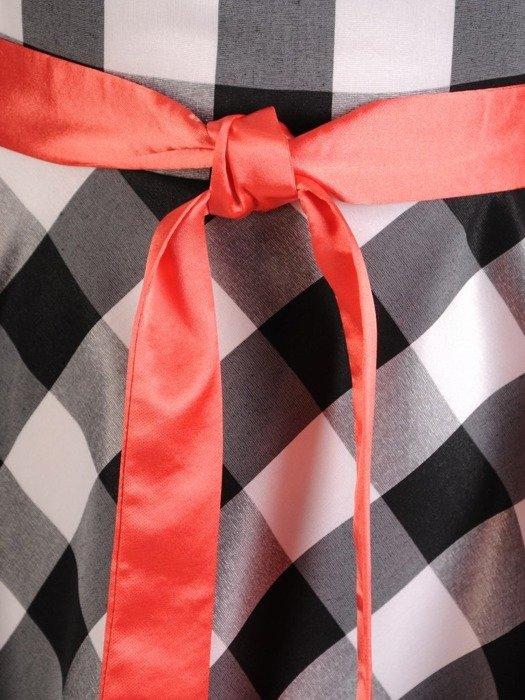 Rozkloszowana sukienka w kratkę 25596