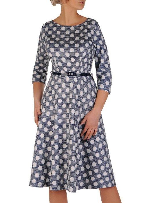 Rozkloszowana sukienka z wąskim paskiem, modna kreacja z dzianiny 18920