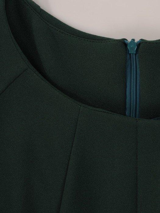 Sukienka damska 19103, zielona kreacja w luźnym fasonie z kieszeniami.