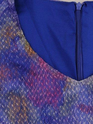Sukienka damska Klarens IX, wiosenna kreacja z przewiewnej tkaniny.