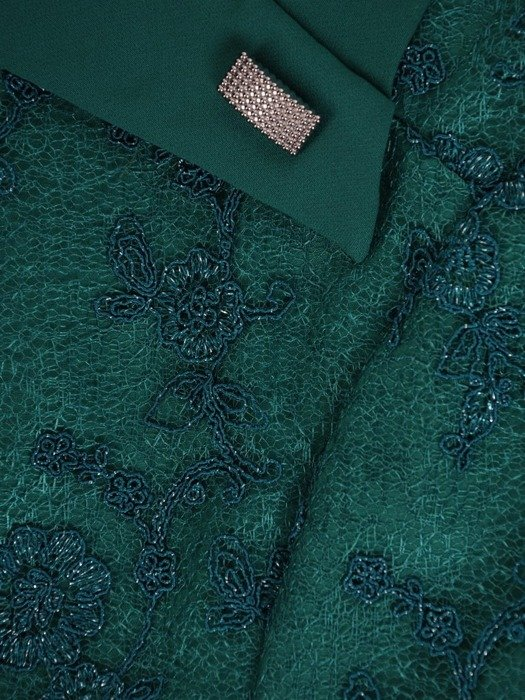 Sukienka na wesele, elegancka kreacja z koronki i tkaniny 26641