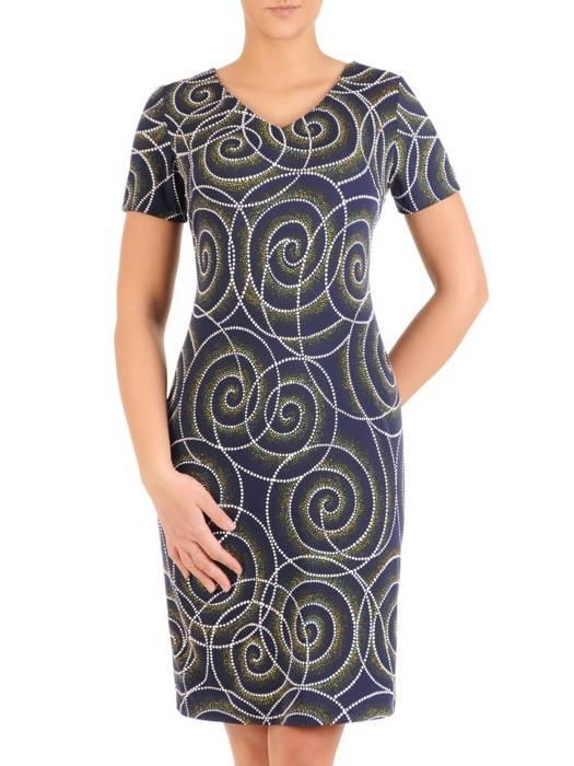 Sukienka w ciekawy wzór, prosty fason z dekoltem w serek 28828