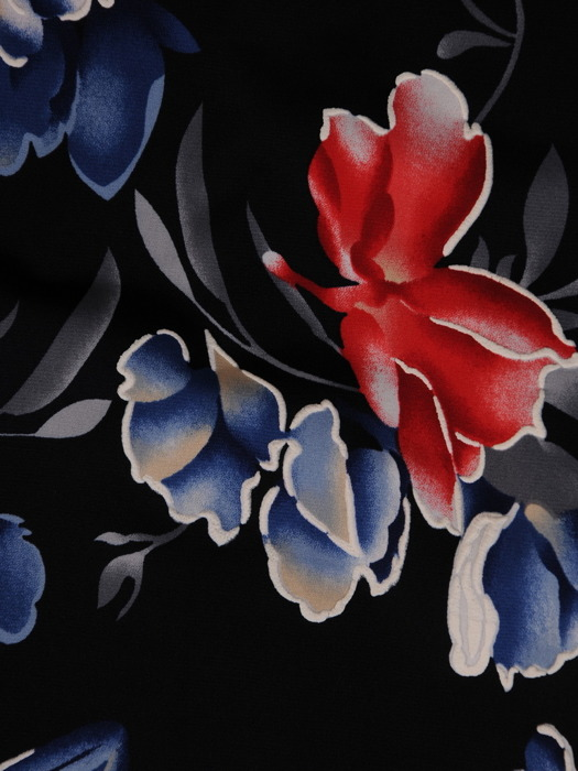Sukienka w kwiaty, prosta kreacja z dzianiny 20856.